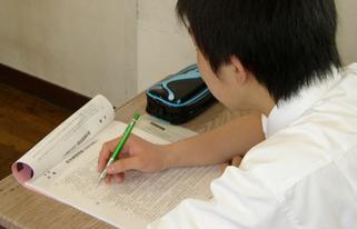 熱心に取り組む検定試験